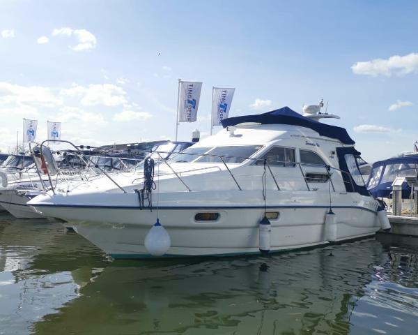 Sealine F33 Sealine F33 Racecourse Marina Tingdene Boat Sales