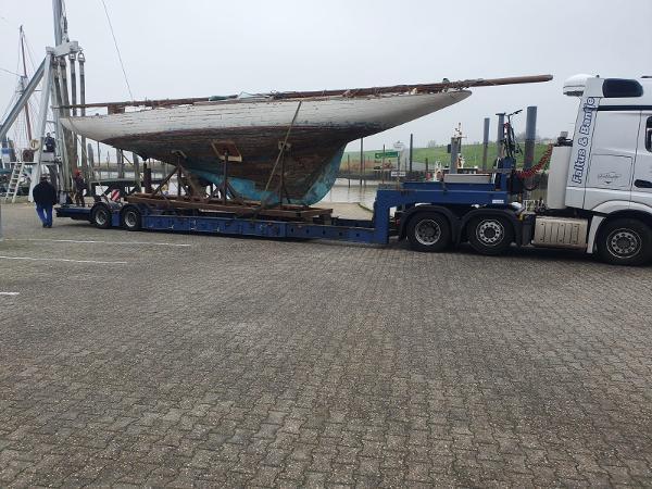 Custom 8mR Yacht