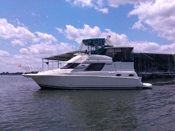 Silverton 392 Motor Yacht Port Profile