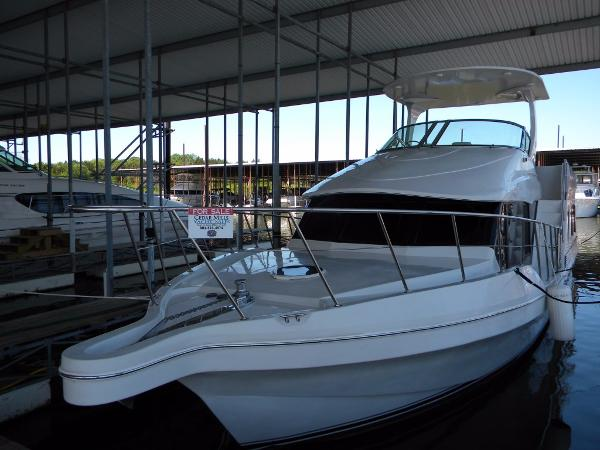 Blue Water 550 Port Bow