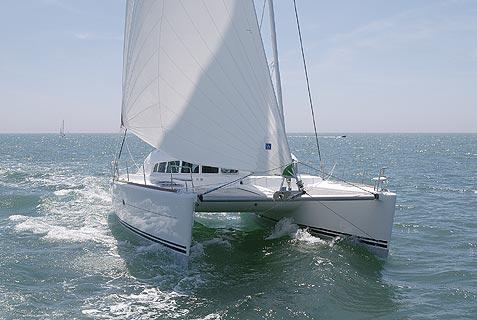 Lagoon 410-S2 Manufacturer Provided Image: Front