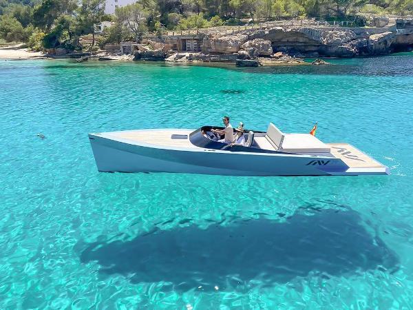 SAY 29 SAY 29 Ibiza floating experience