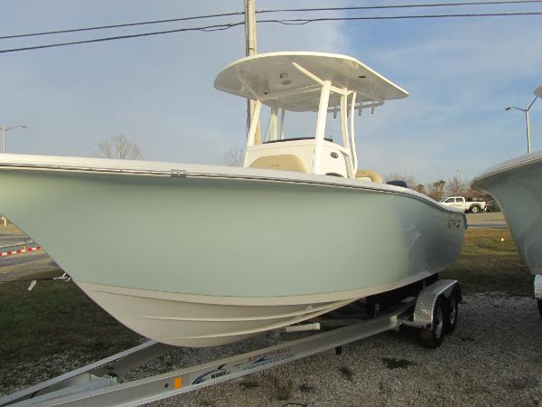 Sea-pro 239 Center Console