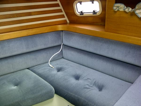 Seating area aft master cabin