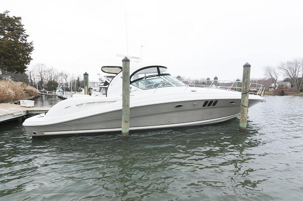 Sea Ray 44 Sundancer Profile