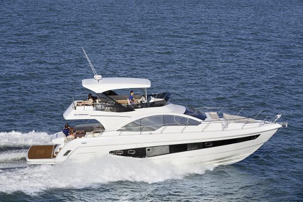 Schaefer 580 Flybridge