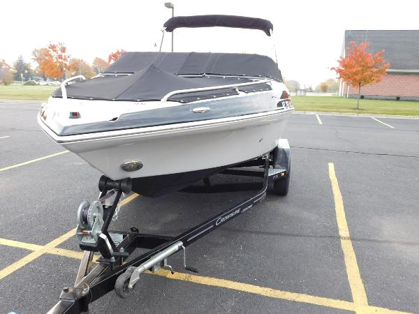 Crownline 21 SS Bow (Port)
