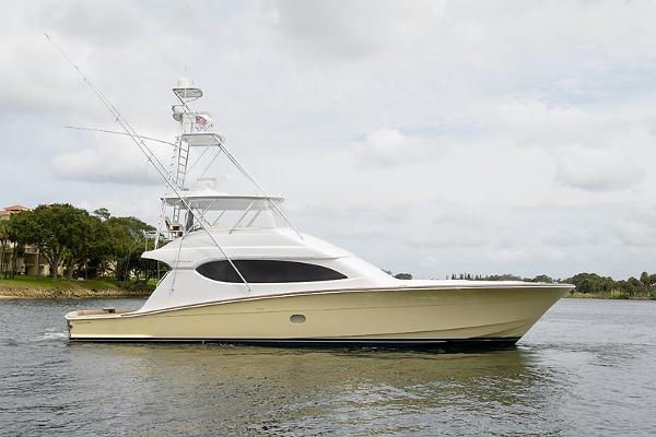 Hatteras Convertible Ace of Diamonds