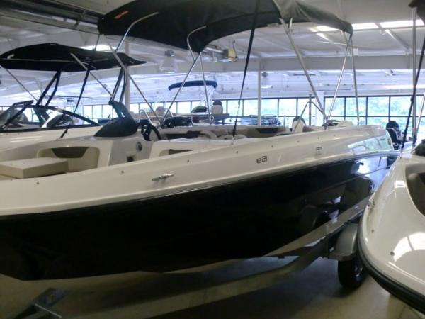 Bayliner Element E21