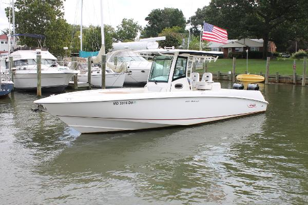 Boston Whaler 320 Outrage Main Profile