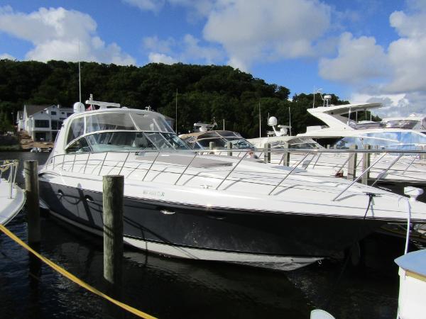 Formula 48 Yacht Exterior Profile