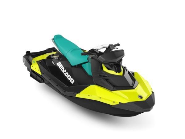 Yamaha WaveRunner Spark® 3-up Rotax® 900 H.O ACE™ IBR, CONV & Sound System