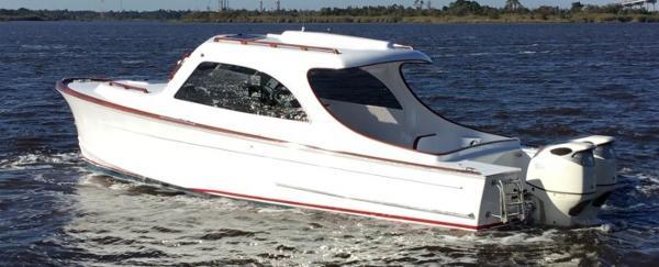 Maverick Yachts Costa Rica 32 Cruiser