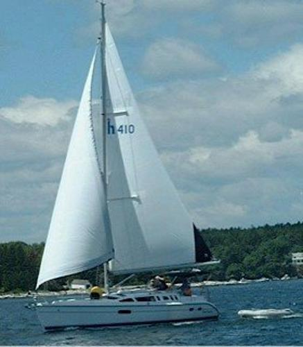 Hunter 410 2001 Hunter 410 sailing
