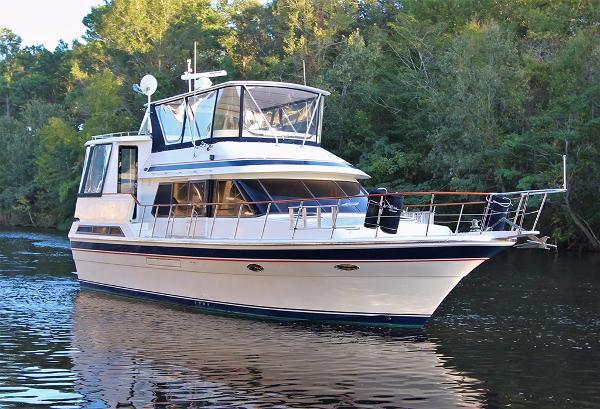Vista Motor Yacht BLUES CHASER