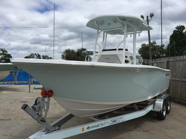 Sea-pro 219 Center Console
