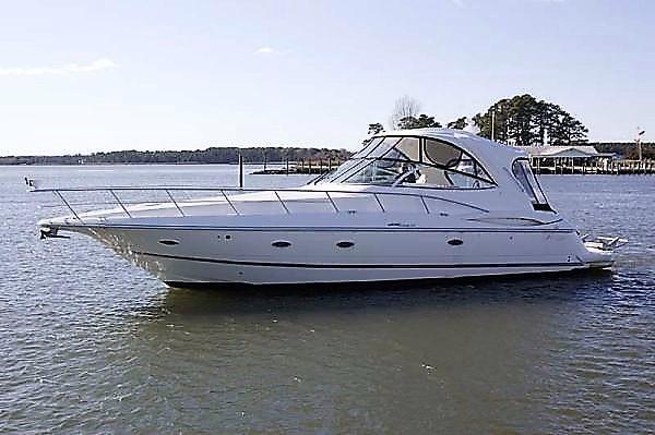 Cruisers Yachts 460 Express Sistership