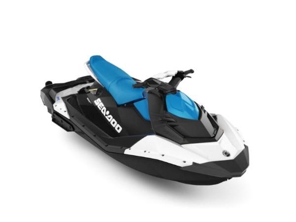 Yamaha WaveRunner Spark® 3-up Rotax® 900 H.O ACE™ IBR & CONV