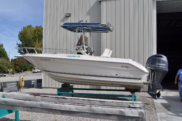 Sea Ray Laguna 21 Port Side 1