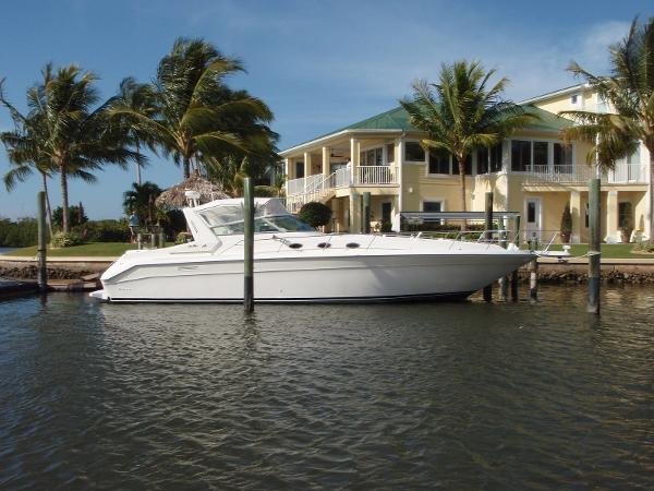 searay Sundancer Profile