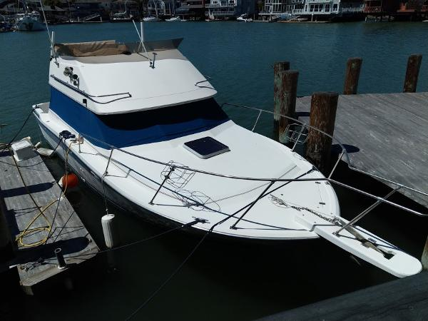 Bayliner Contessa 2855 Port Bow From Above
