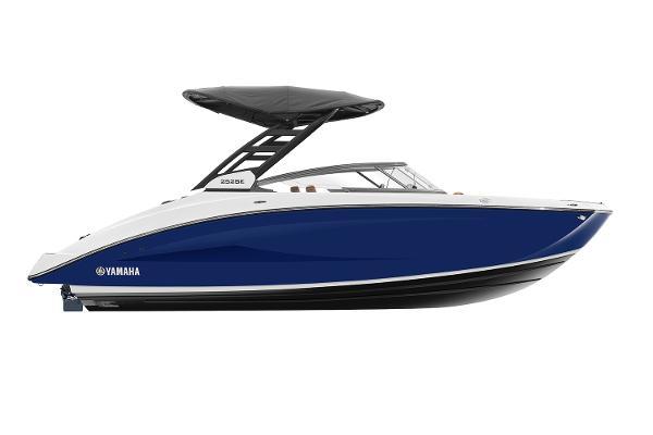Yamaha Boats 252SE Manufacturer Provided Image