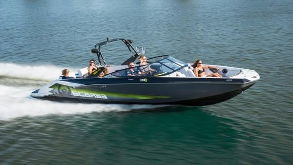 Scarab 255 HO Wake Edition