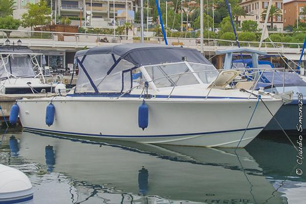 Bertram Yacht Usa 28 Moppie