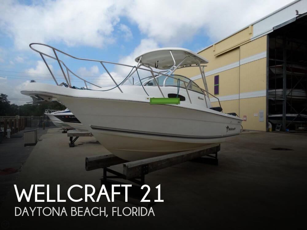 Wellcraft Walkaround 22 2002 Wellcraft 210 Coastal for sale in Daytona Beach, FL