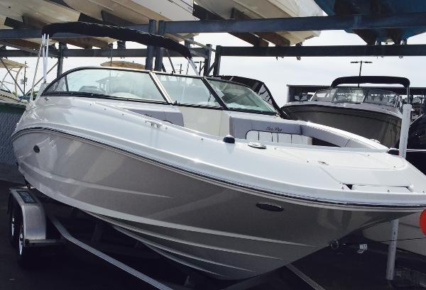 Sea Ray SDX 220 OB