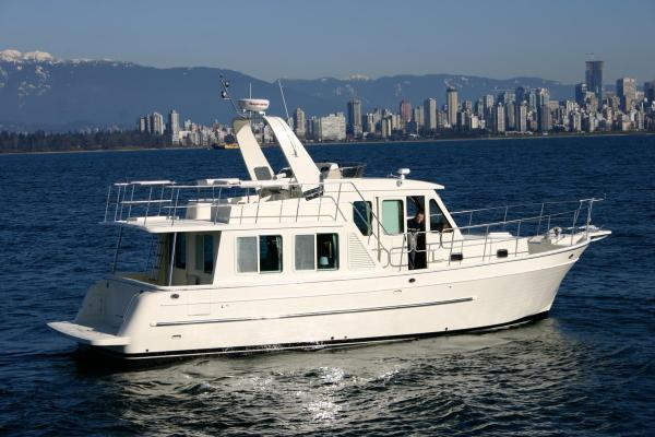 Explorer Motoryachts 37 Pilothouse