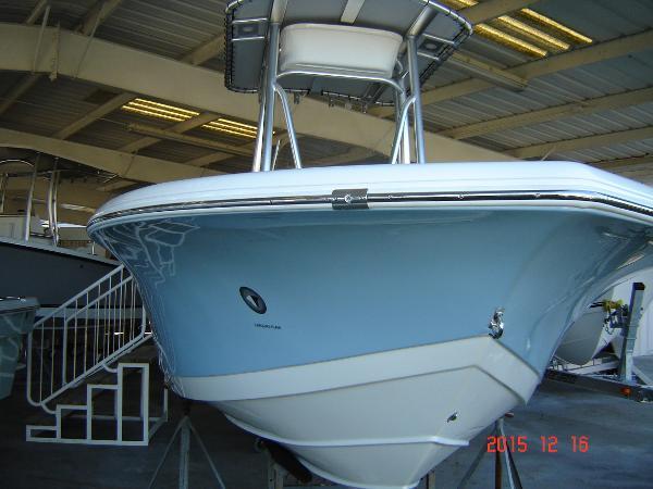Tidewater Boats 210 LXF CC