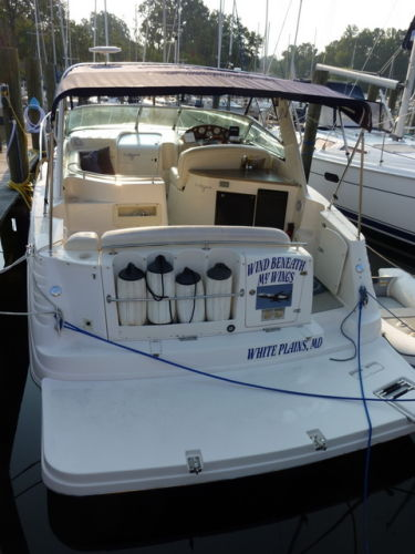 Rinker 342 Fiesta Vee Photo 6