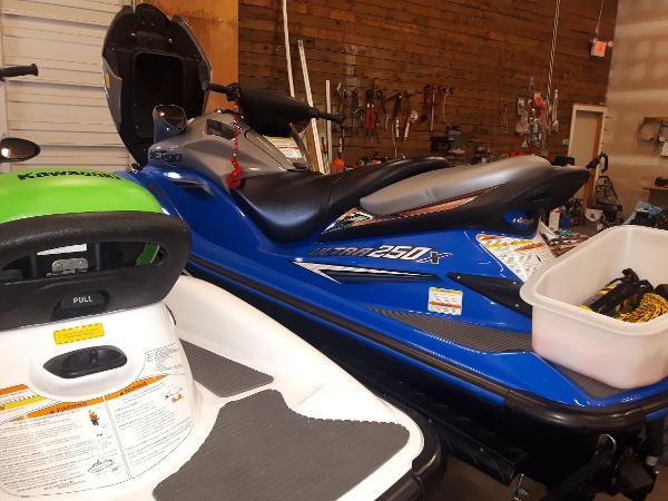Kawasaki JET SKI DUO W/ TRAILER