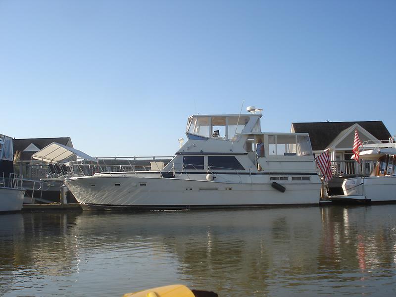 Viking 44 Motor Yacht DSC06698.JPG