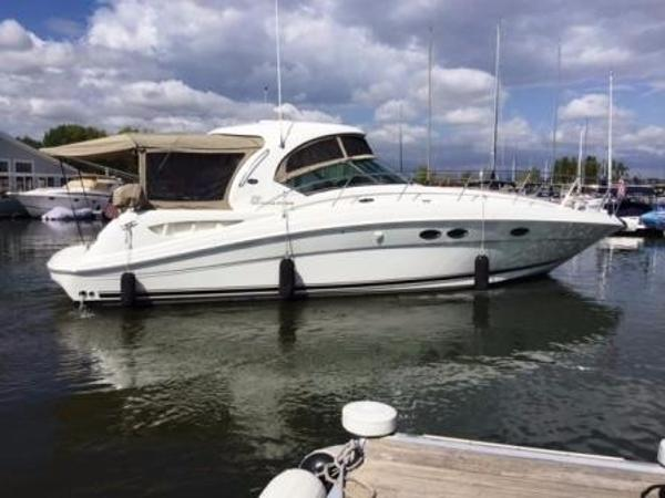 Sea Ray 390 Sundancer Starboard