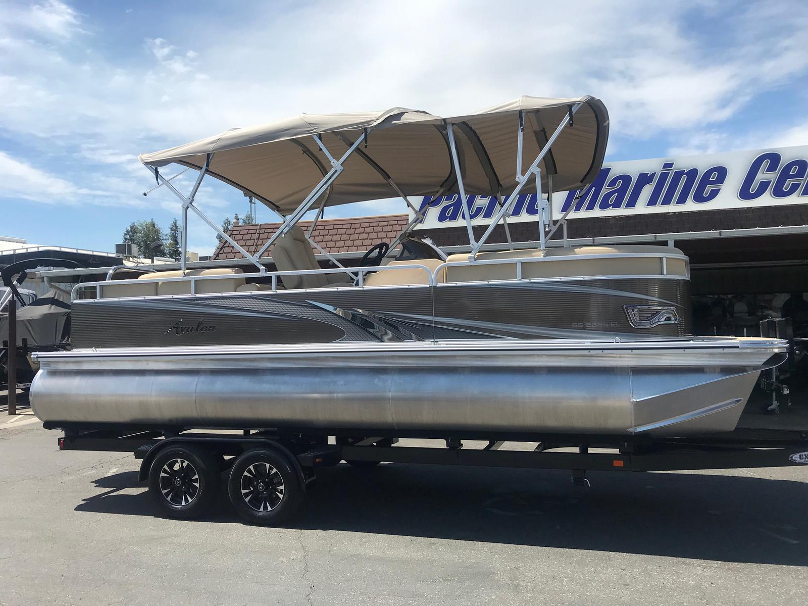 Avalon GS Elite Windshield 23' w/ 150HP