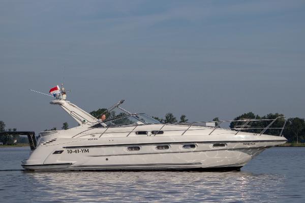 Sealine S37 Sports Cruiser Sealine S37 Sports Cruiser