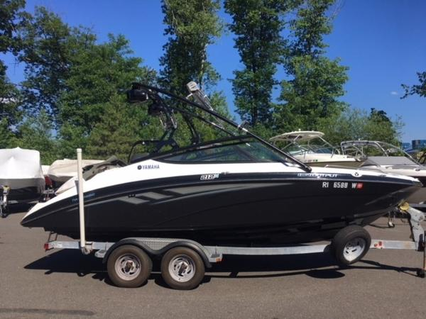 Yamaha Boats 21FT 212X