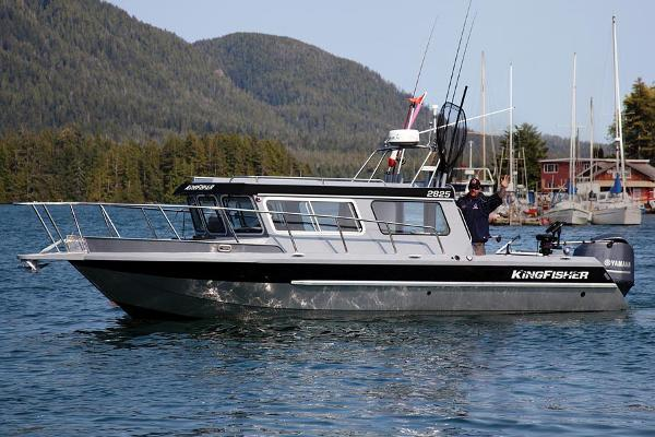 Kingfisher 2825 Offshore Manufacturer Provided Image