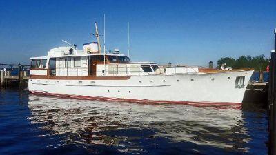 Trumpy Cruiser LIBERTY at Ocean Reef Club