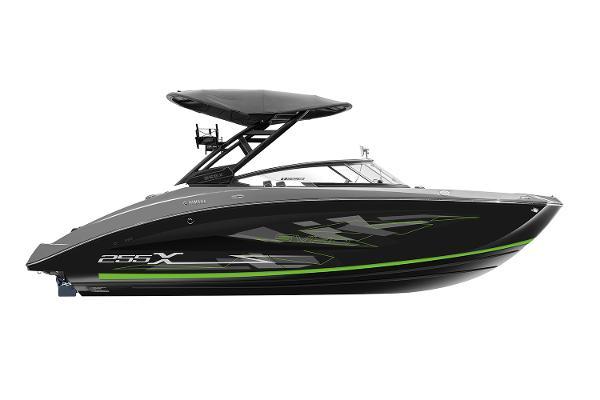 Yamaha Boats 255XE Manufacturer Provided Image
