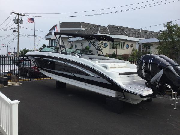 Sea Ray 290 Sundeck Outboard