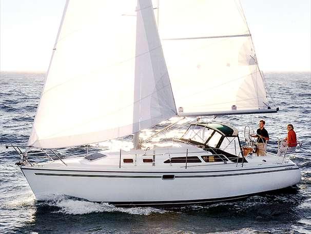Catalina 320 Sister Ship Sailing