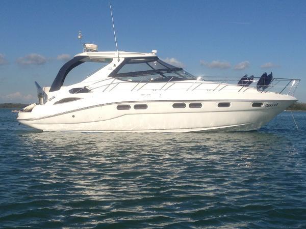 Sealine S41 Sports Cruiser Sealine S41 at Anchor