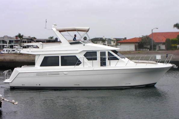 Navigator 4800 Pilothouse Profile