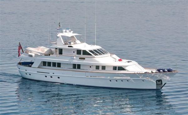 de Vries Lentsch 104' Astilleros de Mallorca Starboard side
