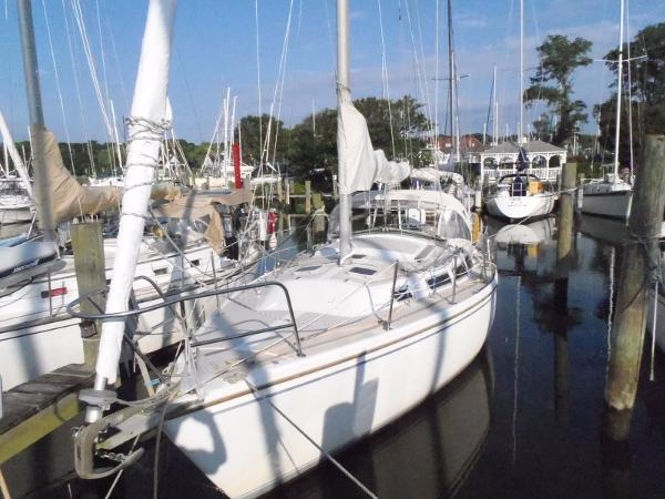 "Catalina 30 Tall Rig with Aircon 1986 Catalina 30 - ""Miller Time"""