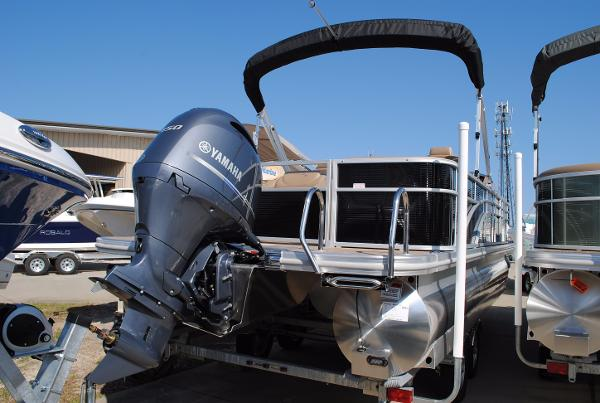 Bennington 24SCWX Pontoon  2017-Bennington-24SCWX-Pontoon-Boat-For-Sale