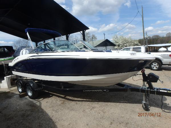 Chaparral 21 H20 Sport Outboard